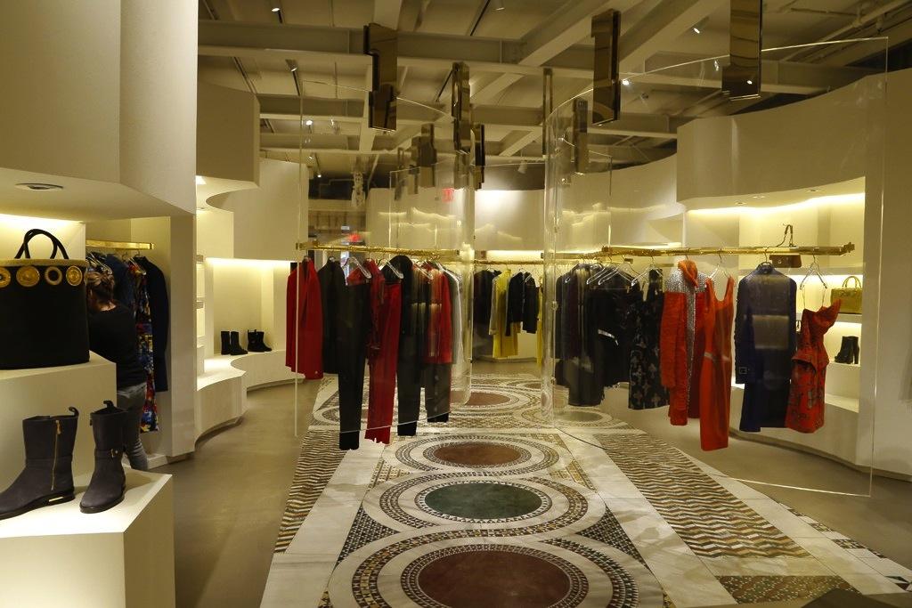 "Image via <a href=""http://www.wwd.com/retail-news/designer-luxury/versace-vibe-comes-to-downtown-nyc-6436425"">WWD</a>"