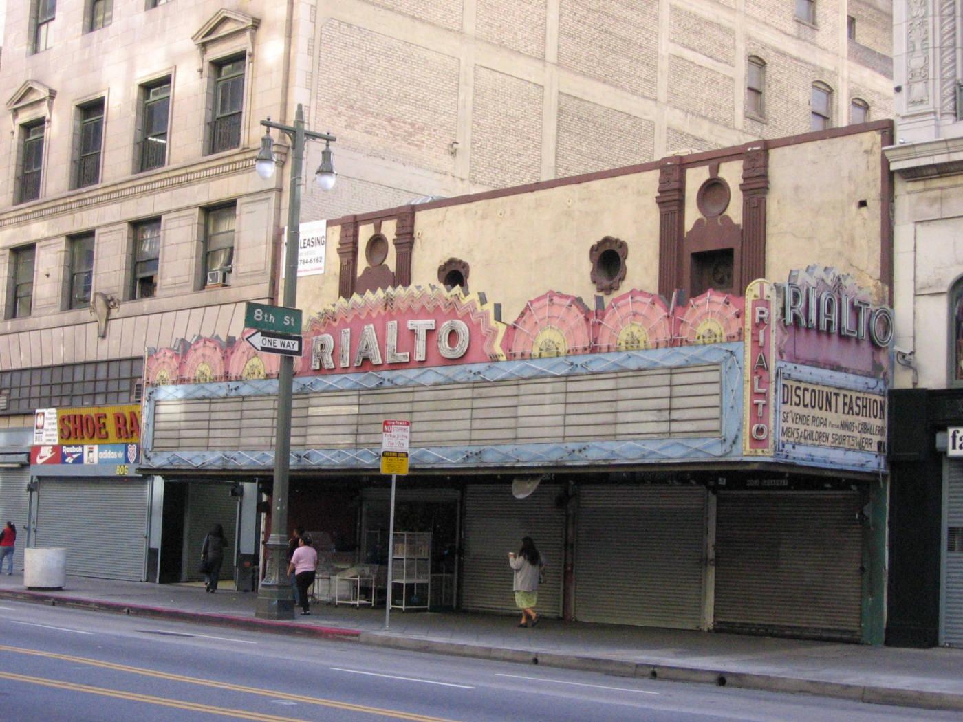 "Image via <a href=""https://sites.google.com/site/downtownlosangelestheatres/rialto"">Historic Los Angeles Theatres</a>"