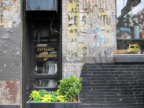 """Earnest Sewn via <a href=""""http://www.flickr.com/photos/scottlynchnyc/7004042540/"""">Scoboco</a>"""