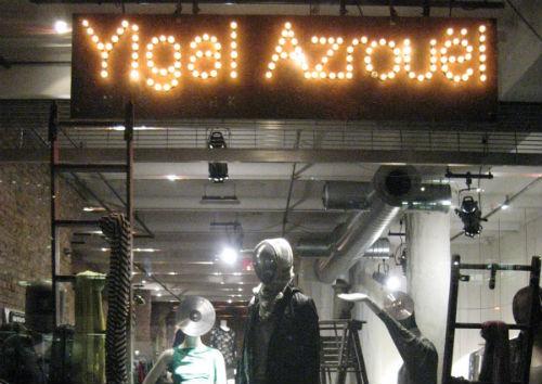 """Image via <a href=""""http://adesignaffair.blogspot.com/2010/11/window-wednesdays-barneys-foodie.html"""">A Design Affair</a>"""