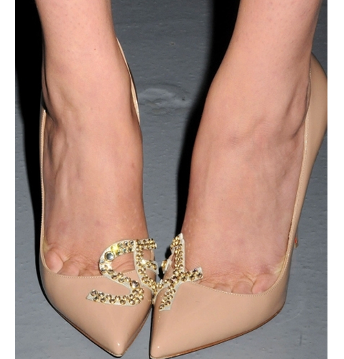 """Jennifer Lopez in Christian Louboutin heels at Chateau Marmont. Photo via <a href=""""http://www.celebuzz.com/photos/trendspotting-christian-louboutin-sex-shoes/sex-shoes-inset-splash/"""">Celebuzz</a>."""