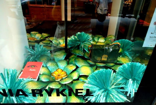 """The Sonia Rykiel boutique, which is now a Bottega Veneta. Image via <a href=""""http://itcantallbedior.blogspot.com/2010/07/window-dressing-on-side-madison-avenue.html"""">It Can't All Be Dior</a>"""