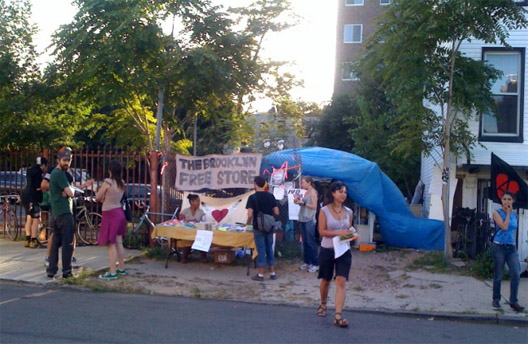 """The Brooklyn Free Store in happier times via <a href=""""http://www.theawl.com/2010/09/money-is-no-object-the-brooklyn-free-store"""">The Awl</a>"""