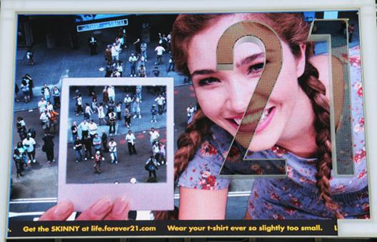 "Image via <a href=""http://www.designboom.com/weblog/cat/16/view/10721/space150-forever-21-interactive-billboard.html"">Designboom</a>"
