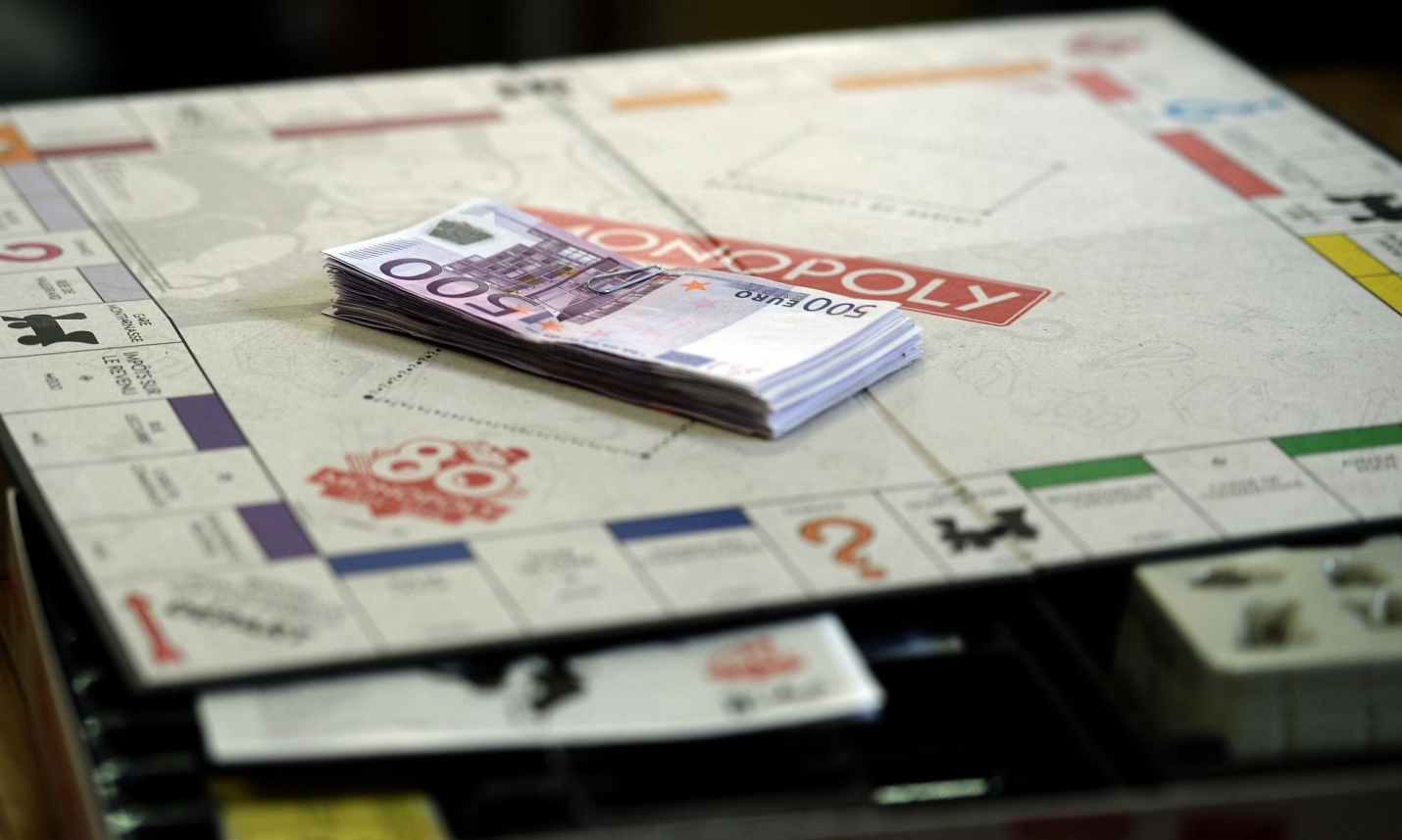 One Monopoly game in France is hiding $20K in real-world cash