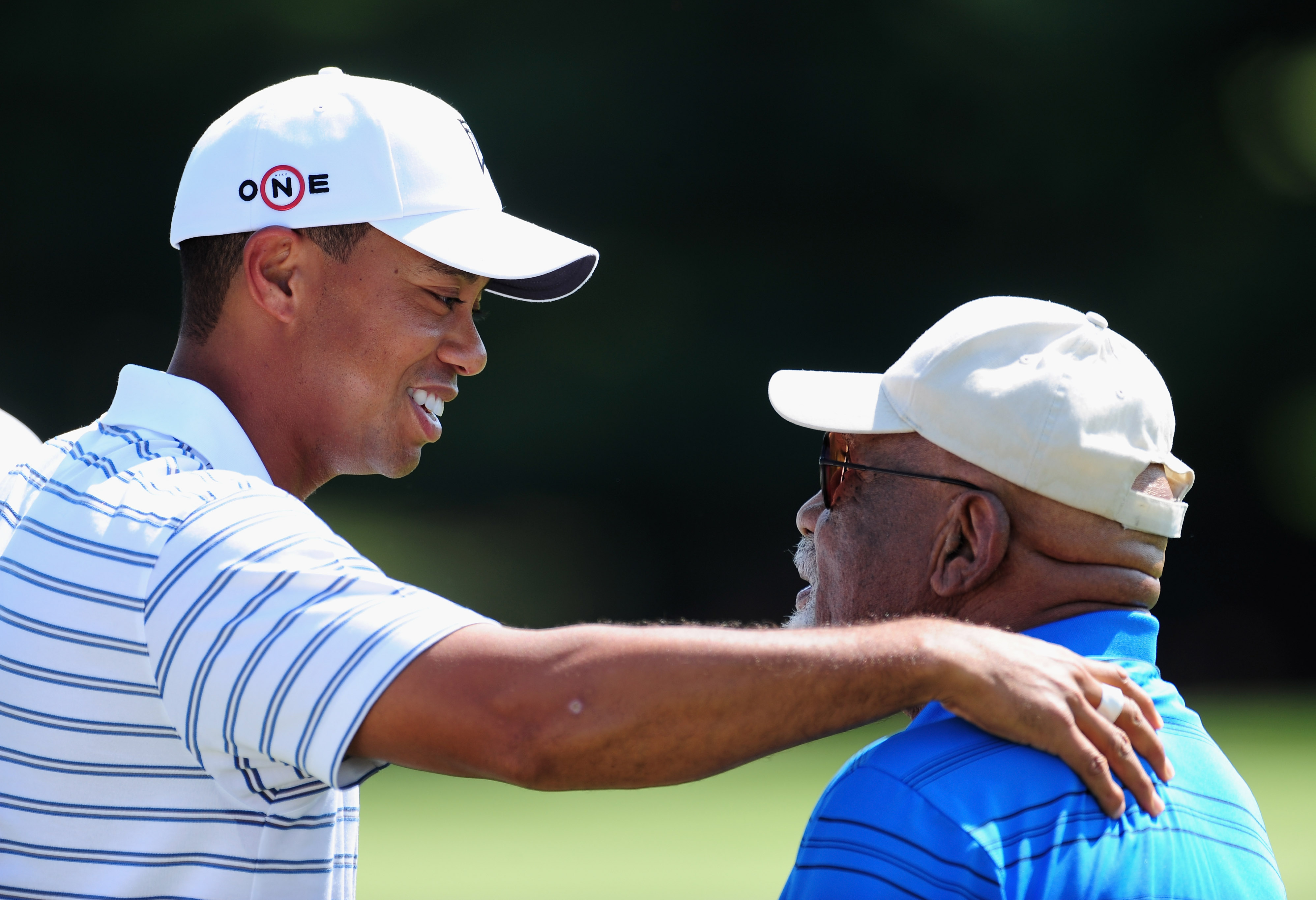 Tiger Woods, golf world mourn the passing of civil rights pioneer Charlie Sifford