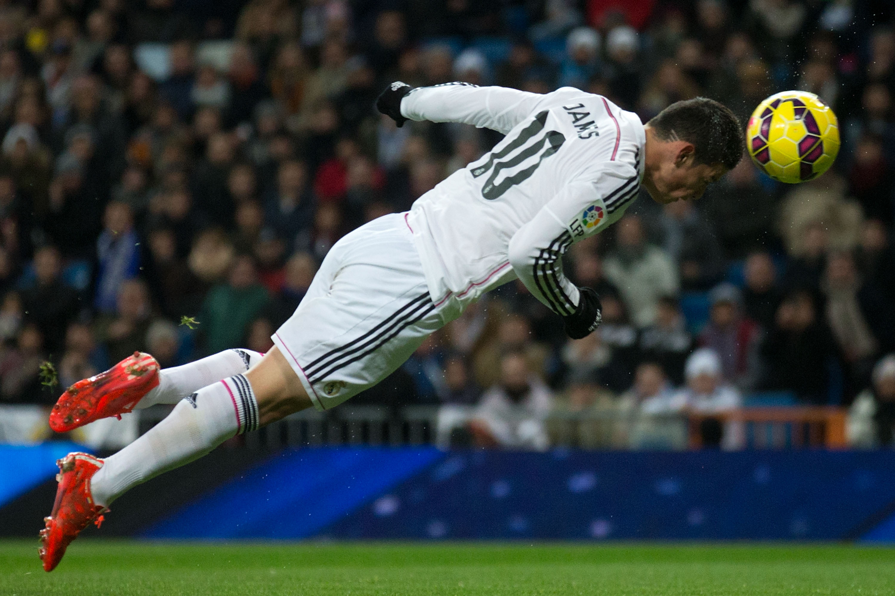James Rodriguez to miss 2 months with broken foot