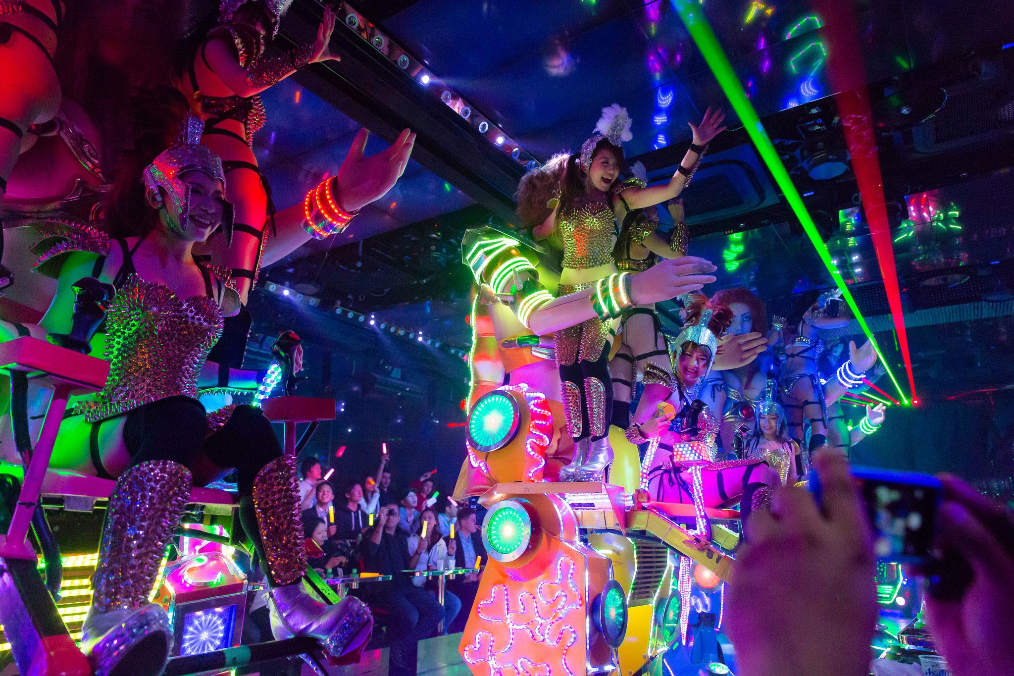 Watch Just How Psychotic Dinner Is at Tokyo's Technicolor Robot Brestaurant