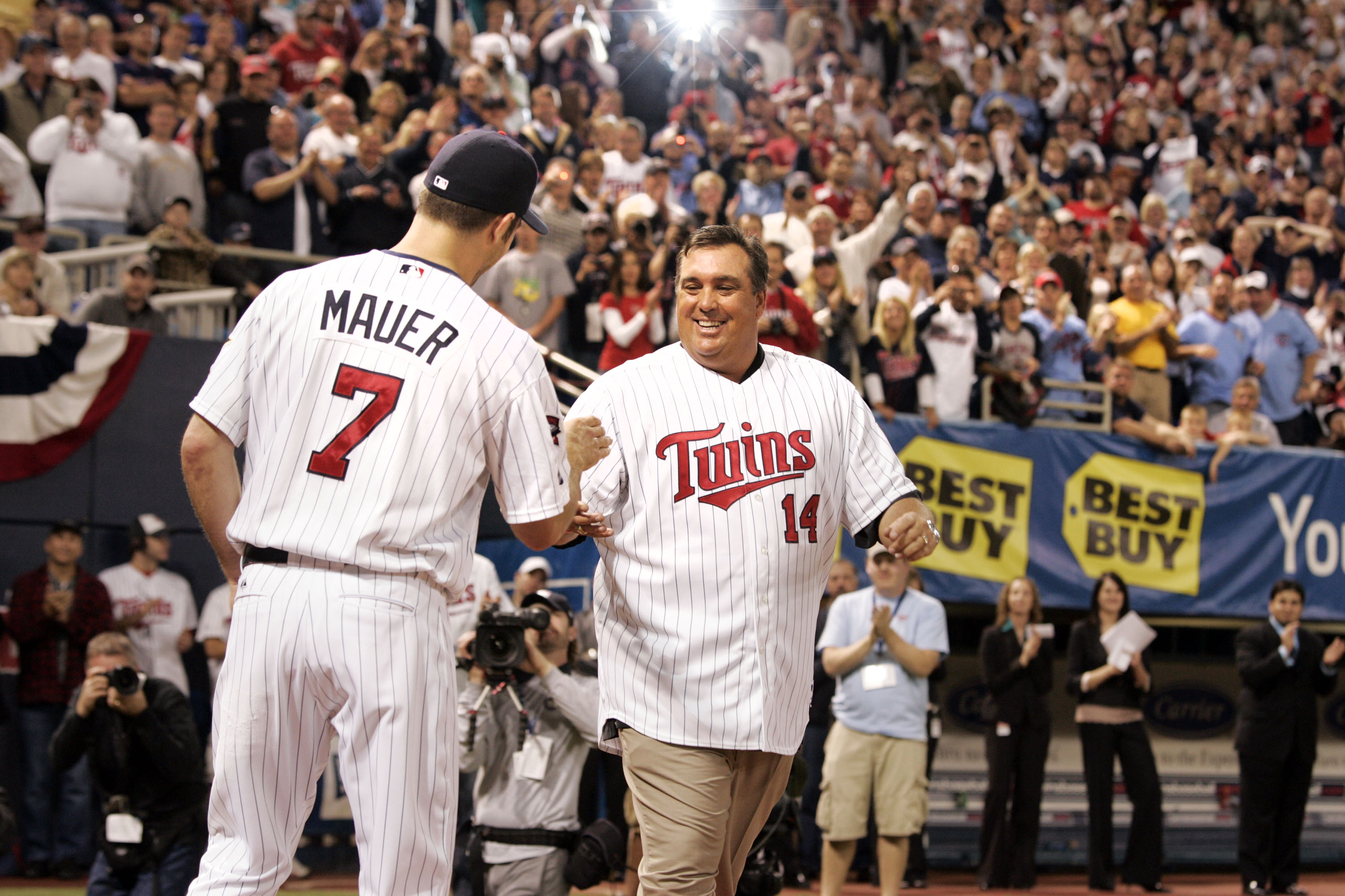 When do you think was the last time Kent Hrbek tucked in a shirt?