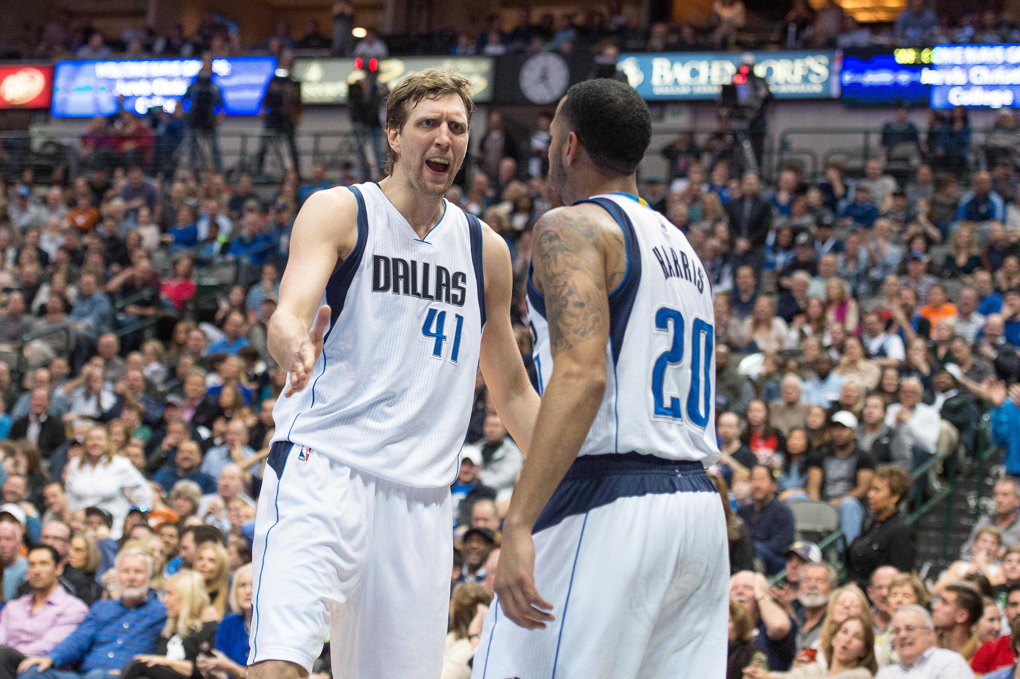 NBA scores 2015: Vintage Dirk Nowitzki leads late Mavericks' comeback against Blazers