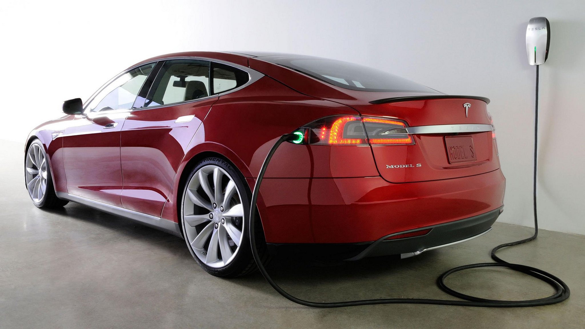 Elon Musk says Tesla will unveil a new kind of battery to power your home