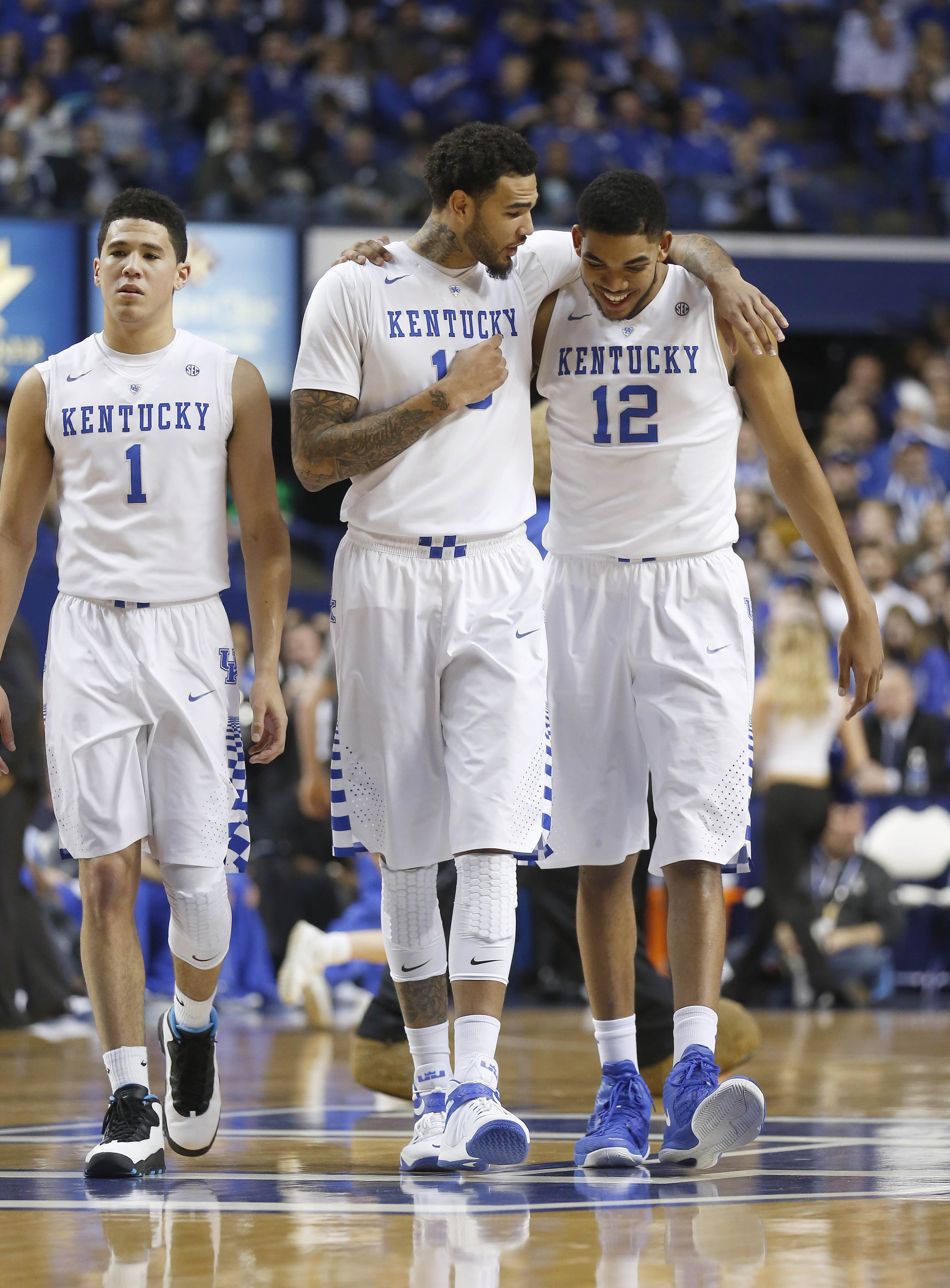 Bracketology: A first look at who's locked in