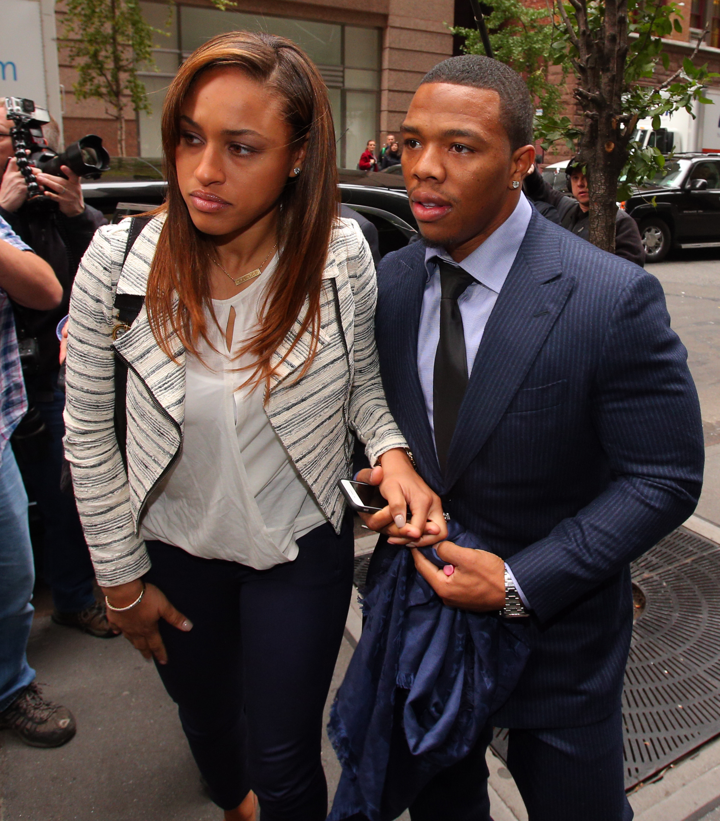 Ray Rice issues letter of apology to Ravens fans