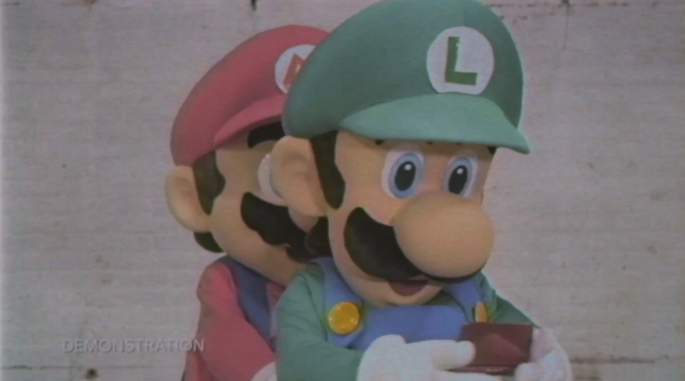 Let Luigi show you the advantages of the New 3DS XL in these three commercials