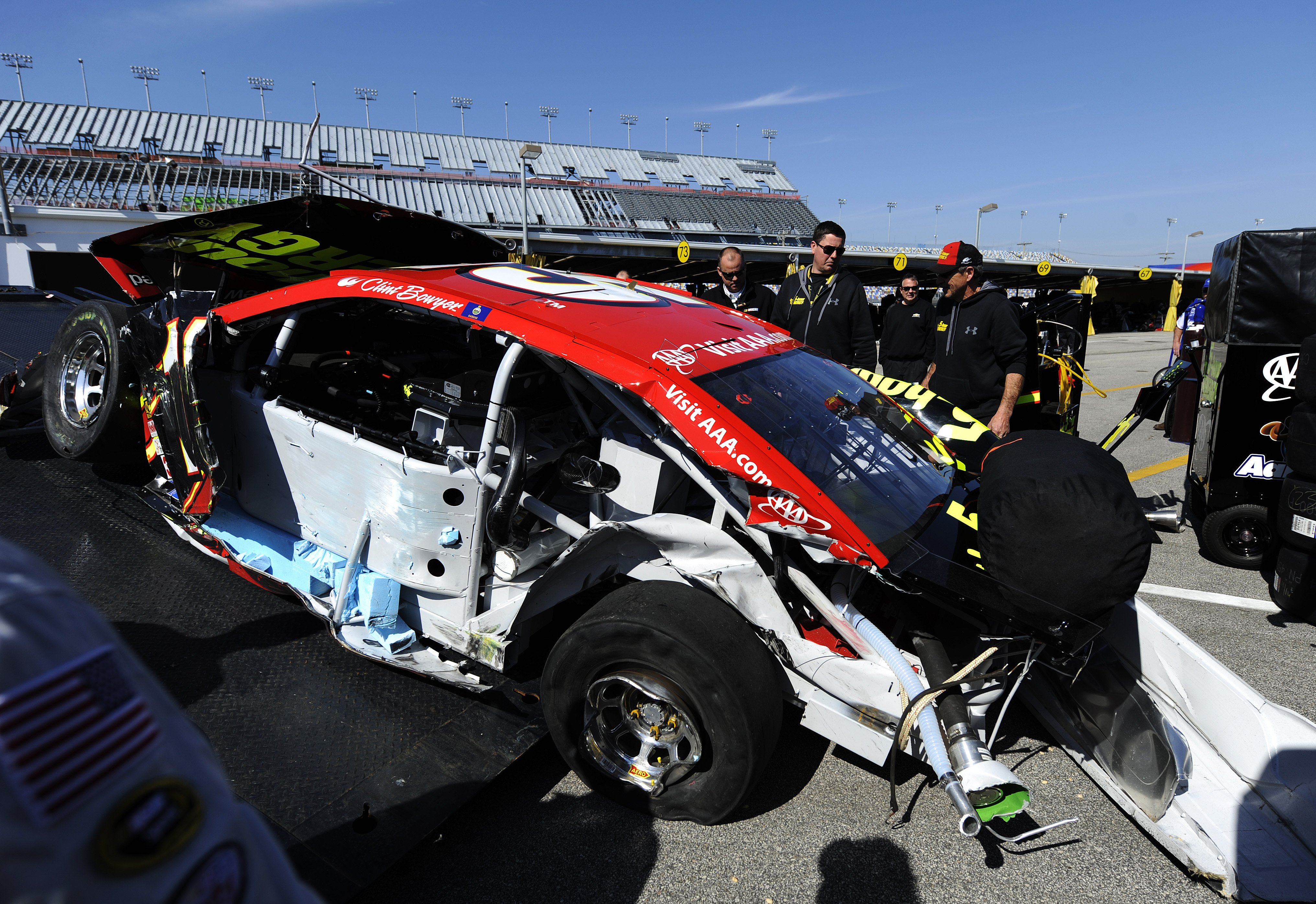 2015 Daytona 500: Clint Bowyer livid after Reed Sorenson wreck in new qualifying format