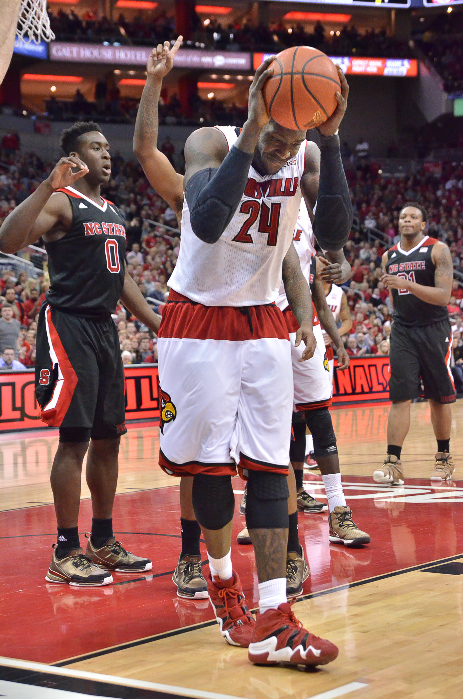 Harrell gets frustrated against NC State