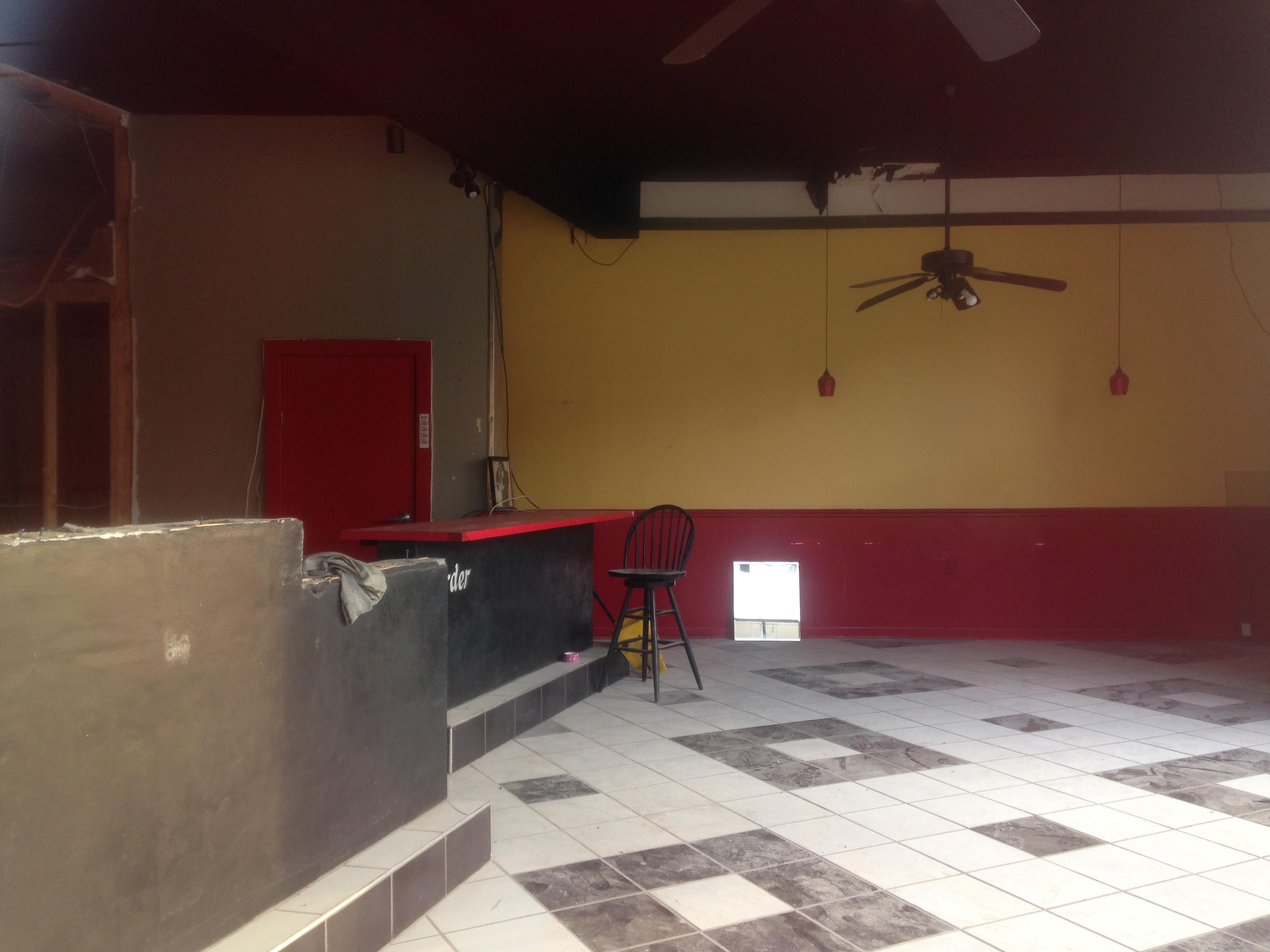 Zappo's Interior