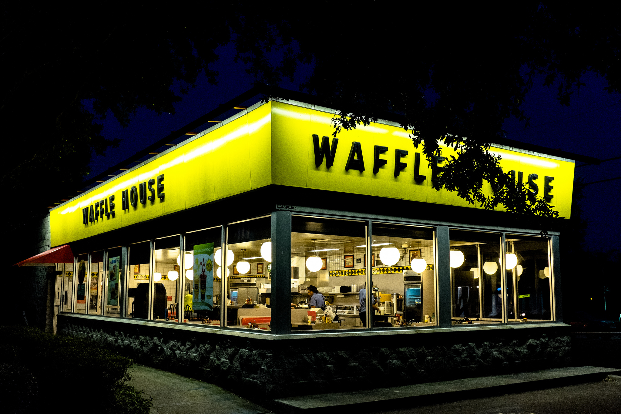 Waffle House Customer Threatens Waitress With Knife After Being Denied Pie