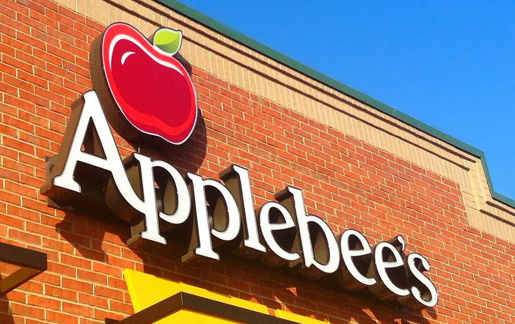 Applebee's Customer Burned by Fajitas While Praying, But He Can't Sue