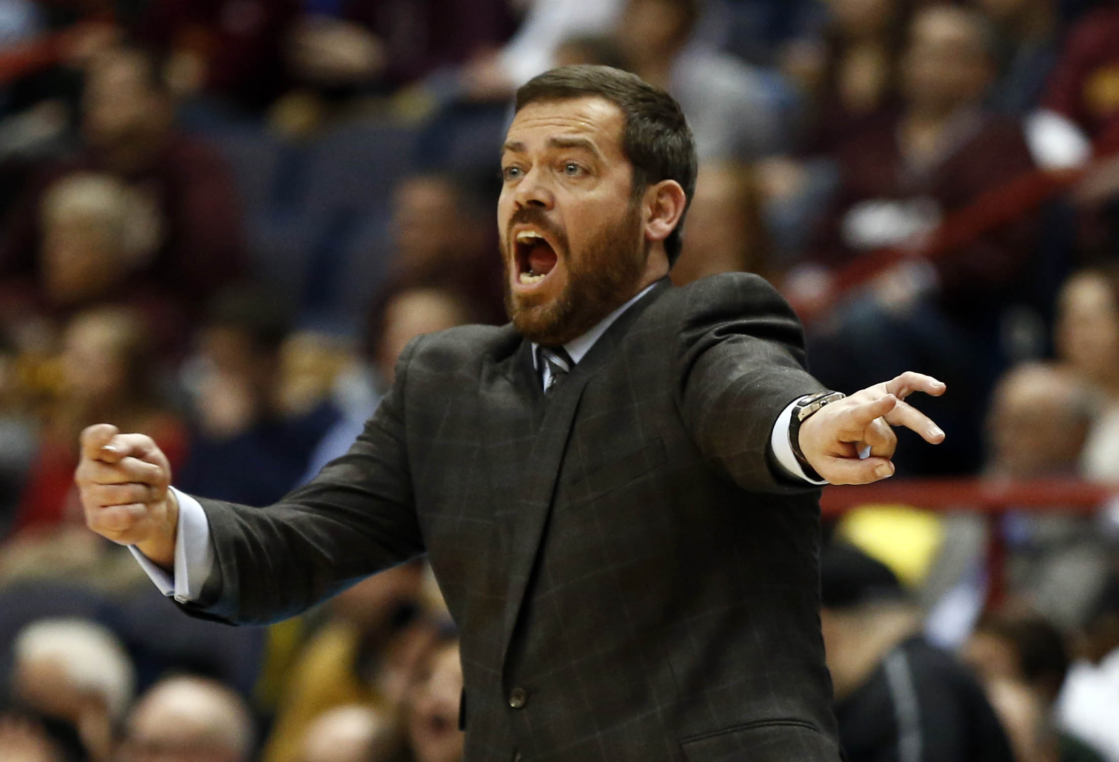 Manhattan coach Steve Masiello caps an unbelievable year with an unpredictable championship