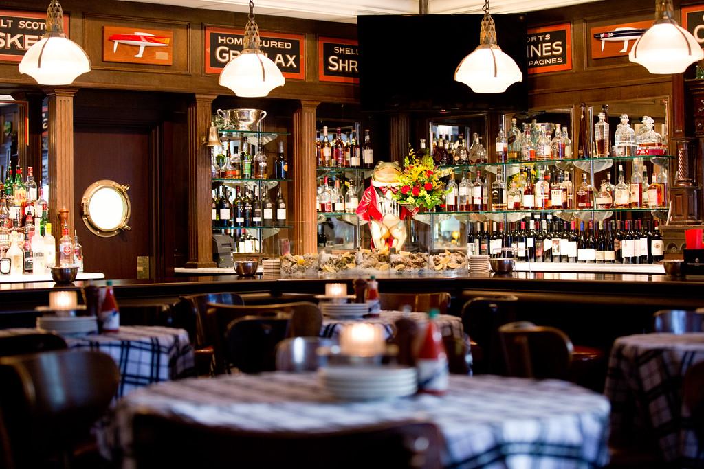 Oyster Bar at Hugo's Frog Bar & Fish House