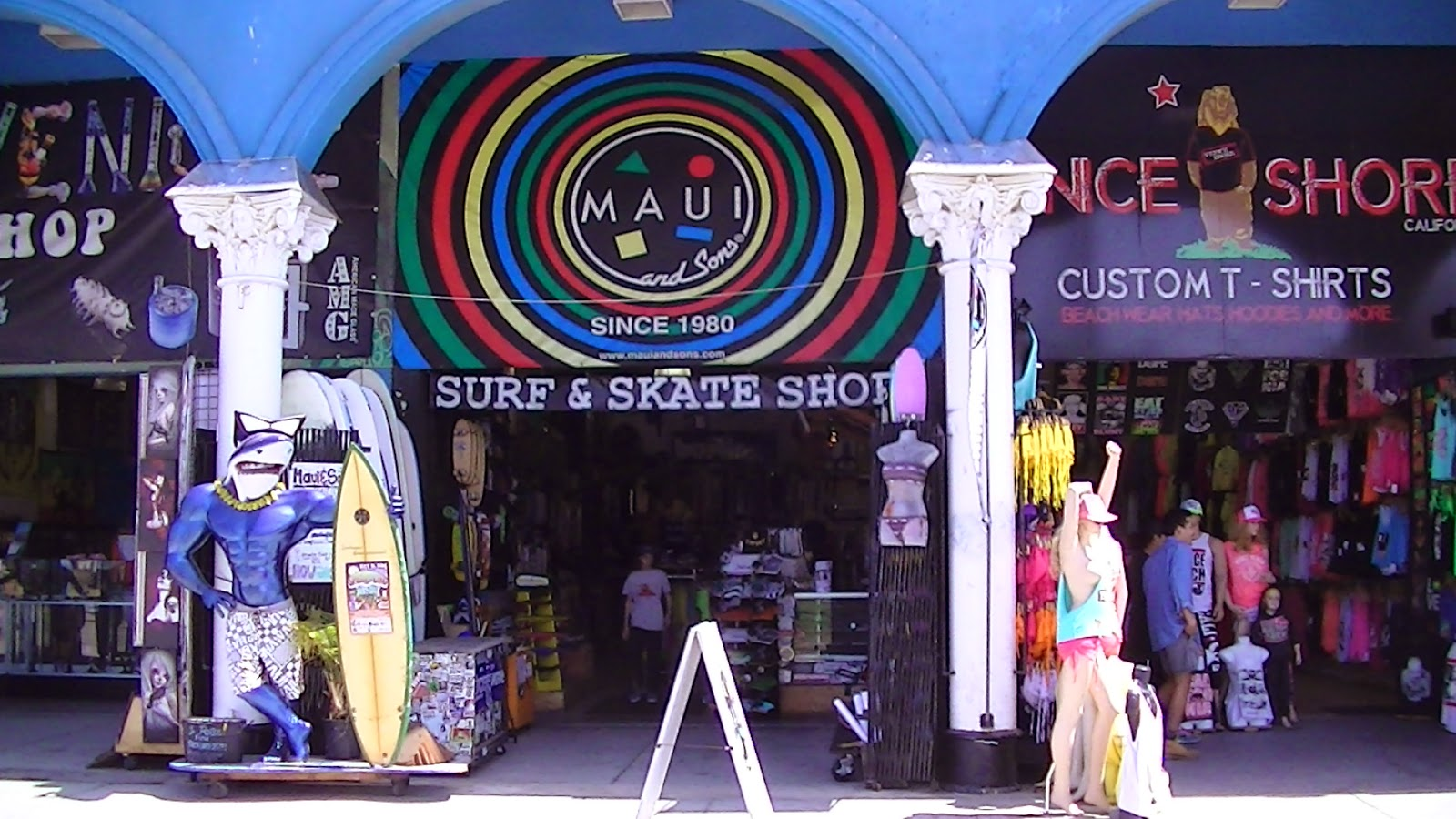 """Maui & Sons's shop on Ocean Front Walk. Photo: <a href=""""http://www.surfshoptshirtroadtrip.com/2014/07/maui-and-sons-surf-shop.html"""" target=""""_blank"""">via</a>"""