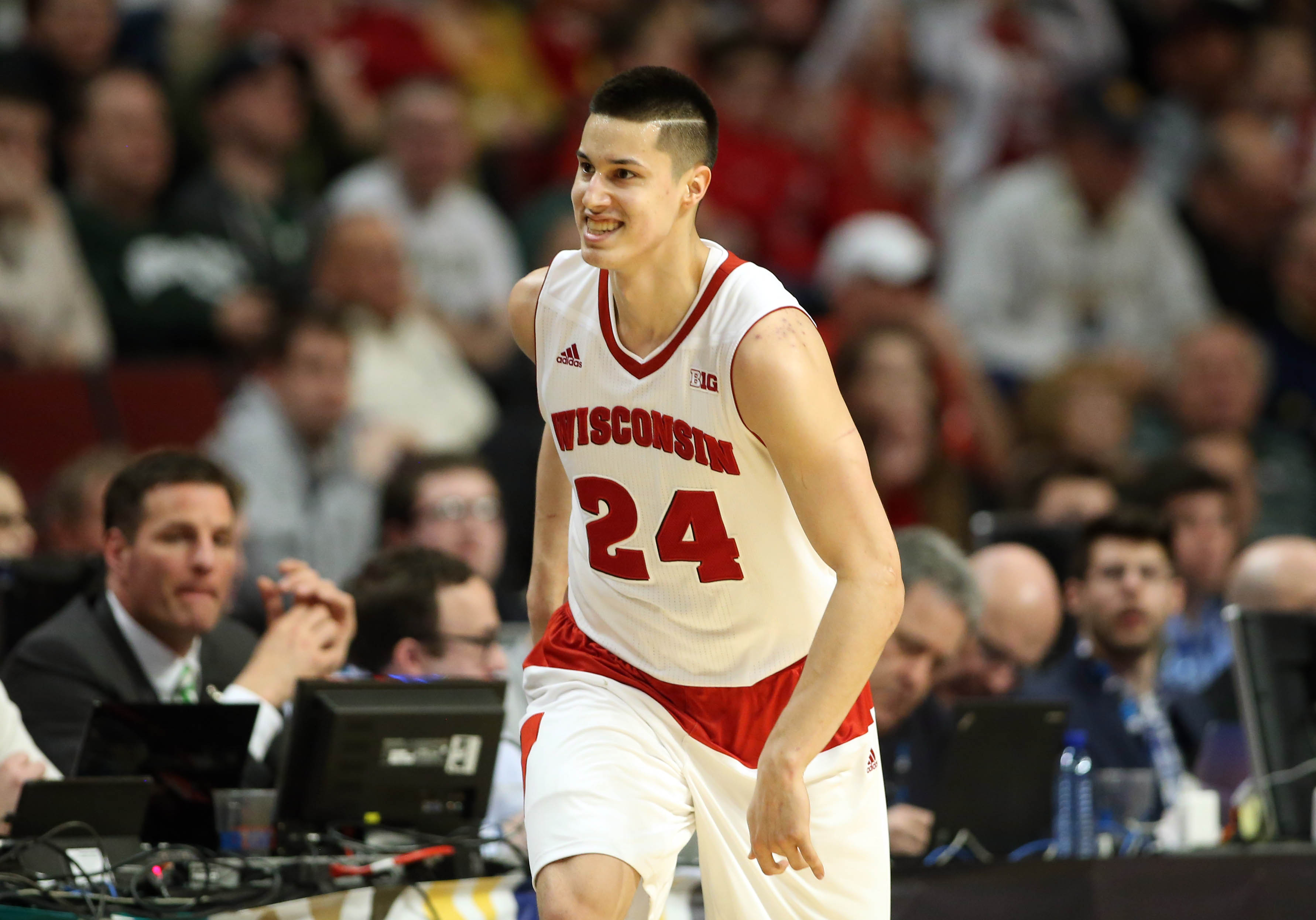 Wisconsin wins 2015 Big Ten Tournament by topping Michigan State in thriller
