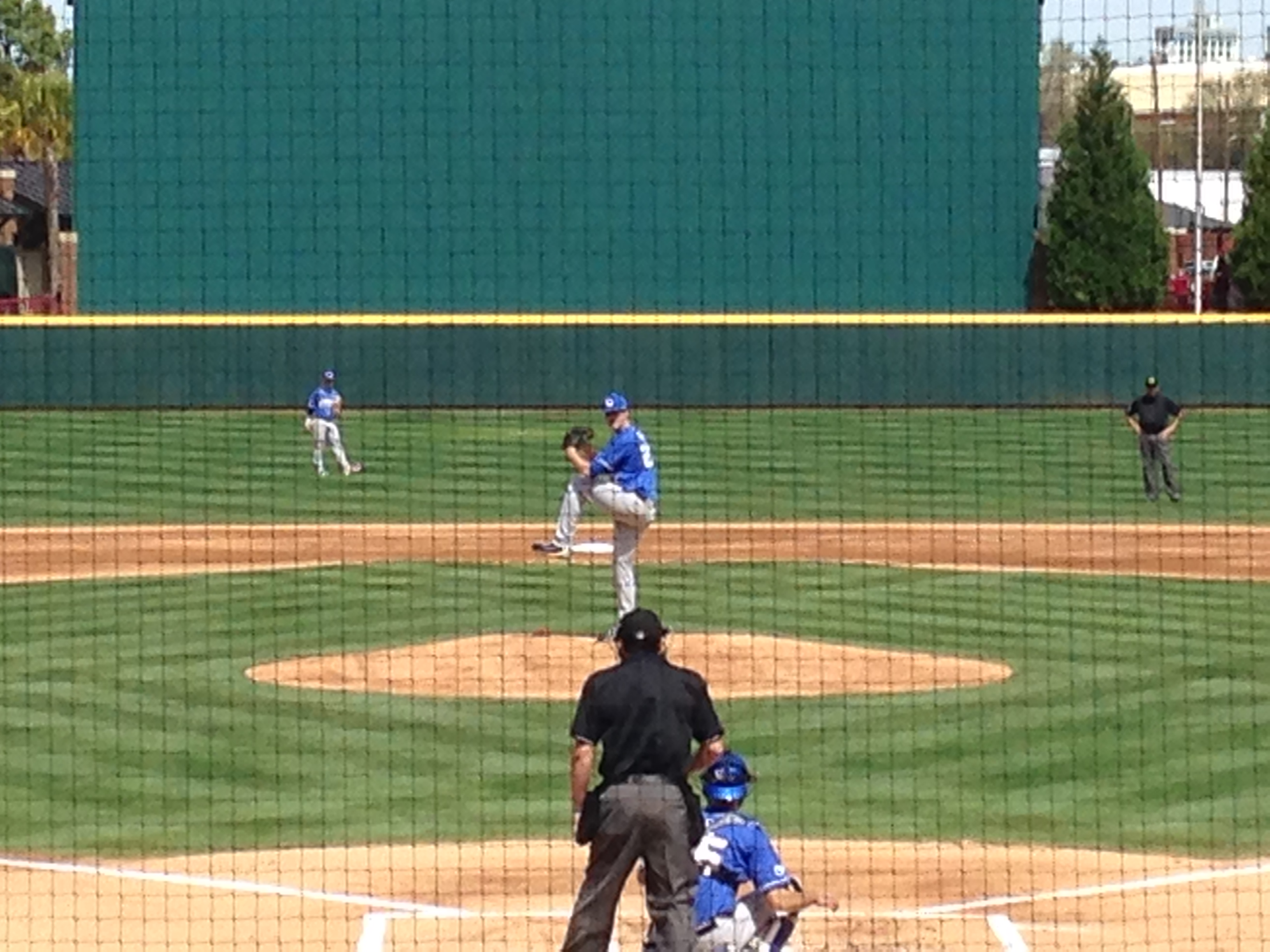 Kentucky RHP Kyle Cody prepares to deliver pitch during warmup