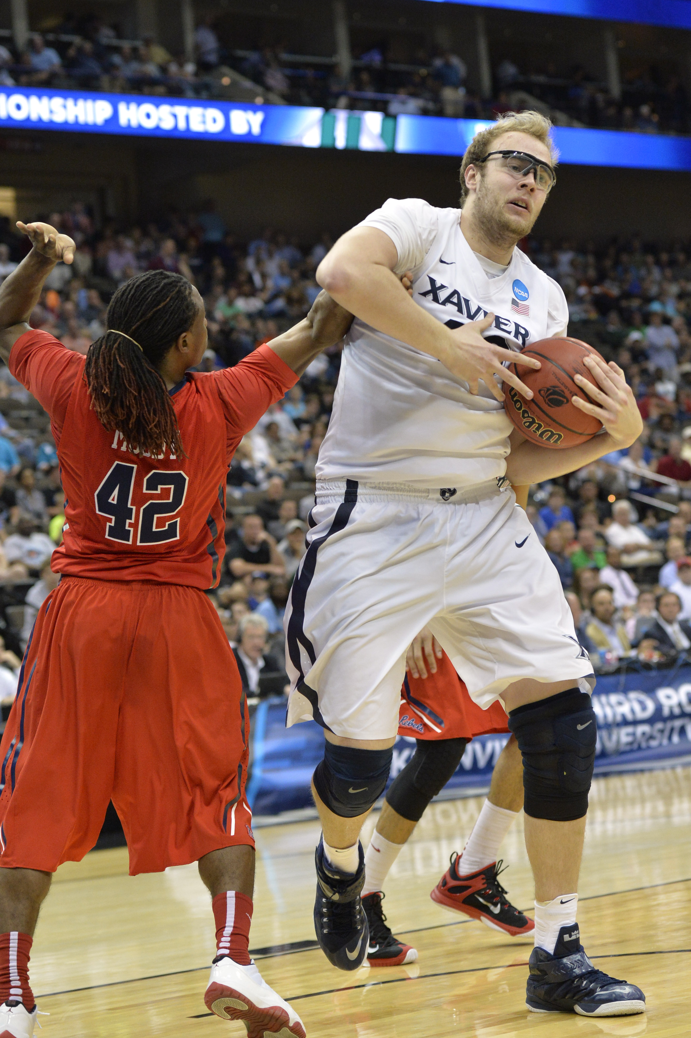 When the two stars went head to head, Stainbrook was a clear winner.