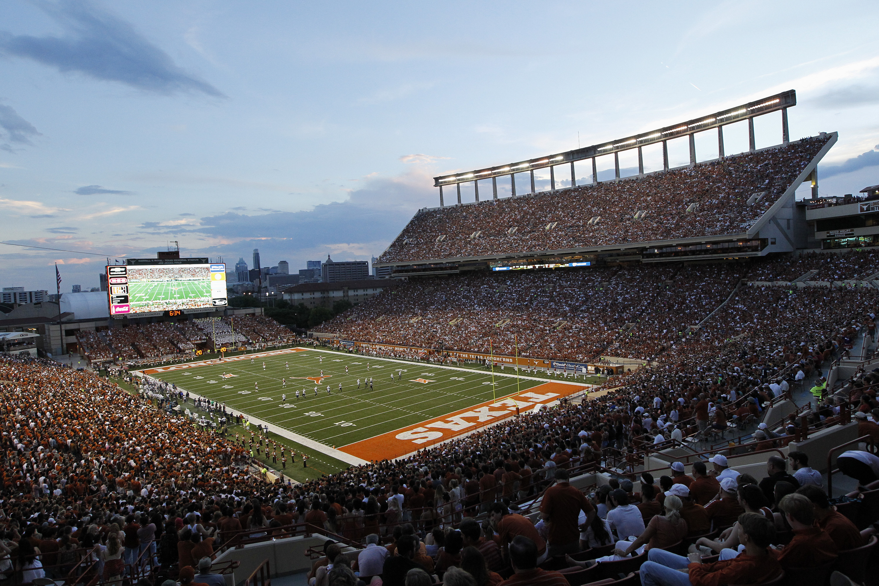 New games in Austin, Orlando, Tucson mean 42 college football bowls