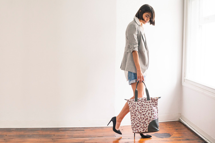 """Photo: <a href=""""http://www.ofakind.com/shop/product/2435-yoshino-tote"""">Of a Kind</a>"""