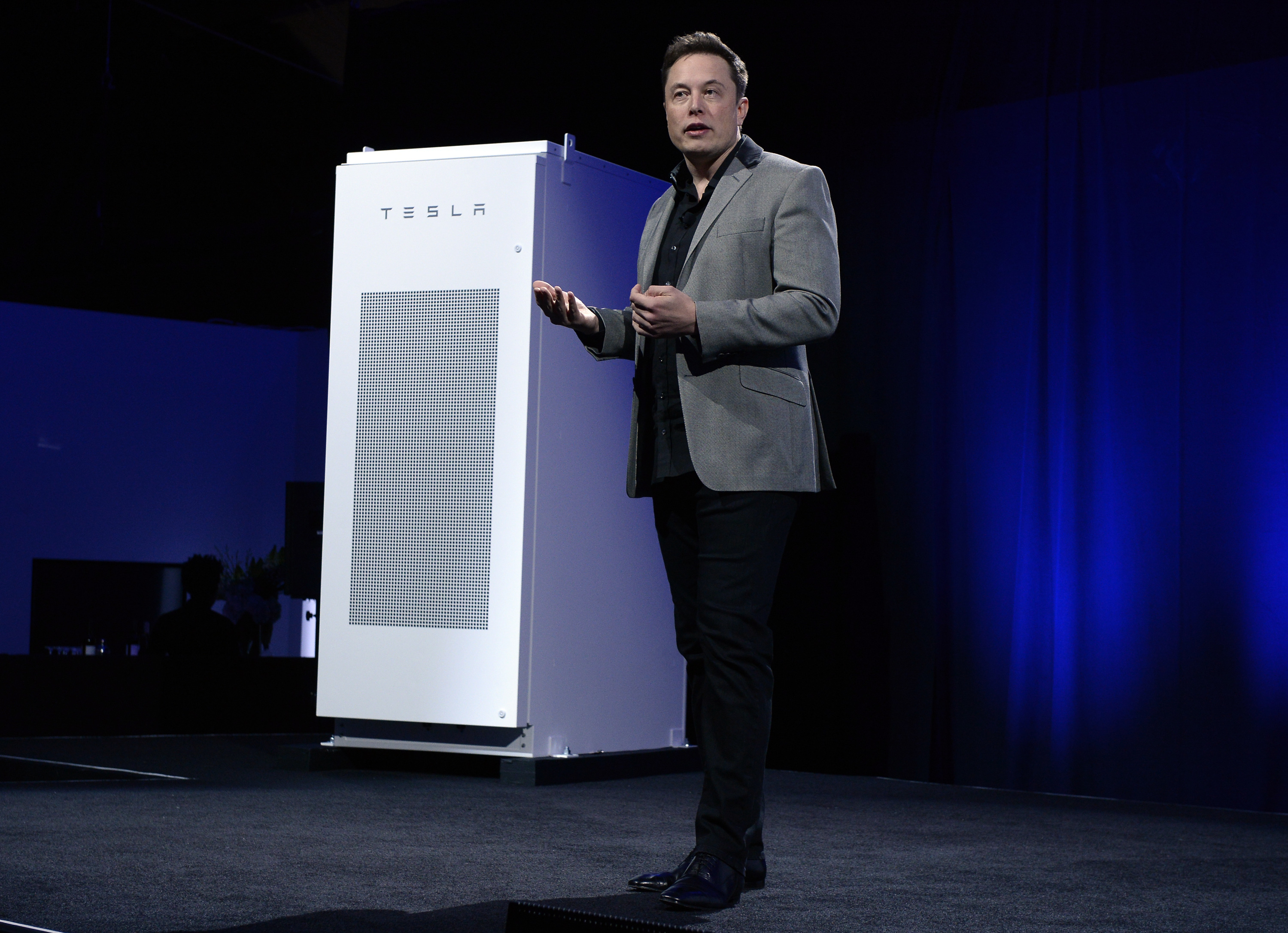 Elon Musk wants to revolutionize our energy system — with batteries