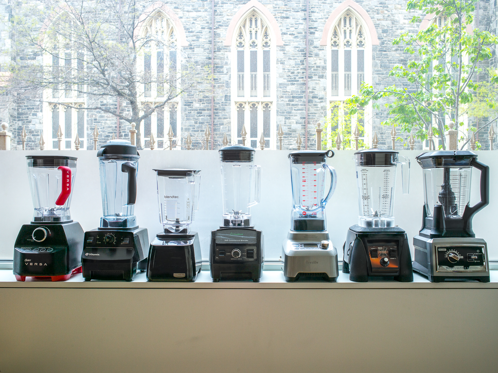 Who makes the best blender for smoothies and mixed drinks?