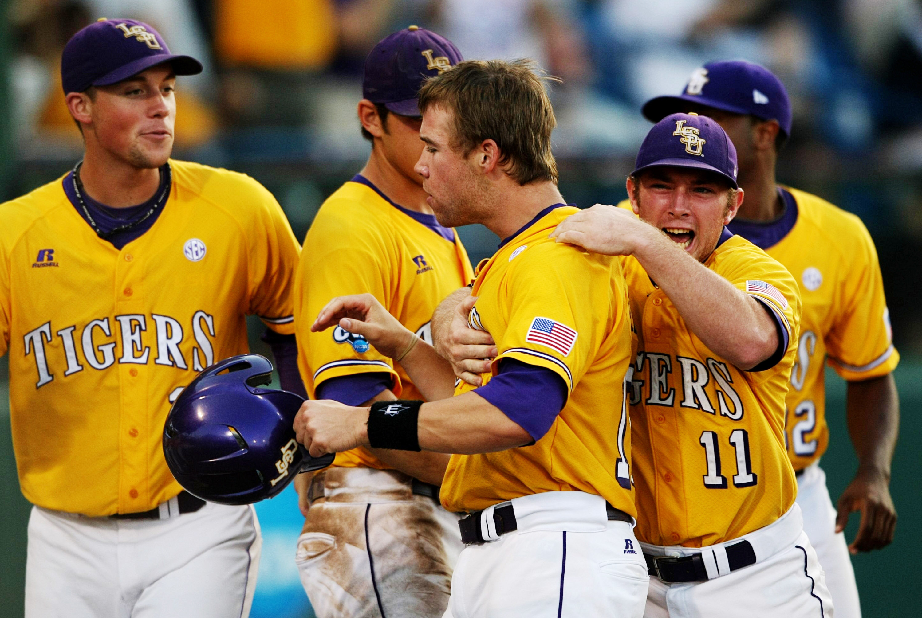 Ryan Schimpf picked up 2 solo HR's for Buffalo, so here's a picture from when he was at LSU and teammates with Sean Ochinko