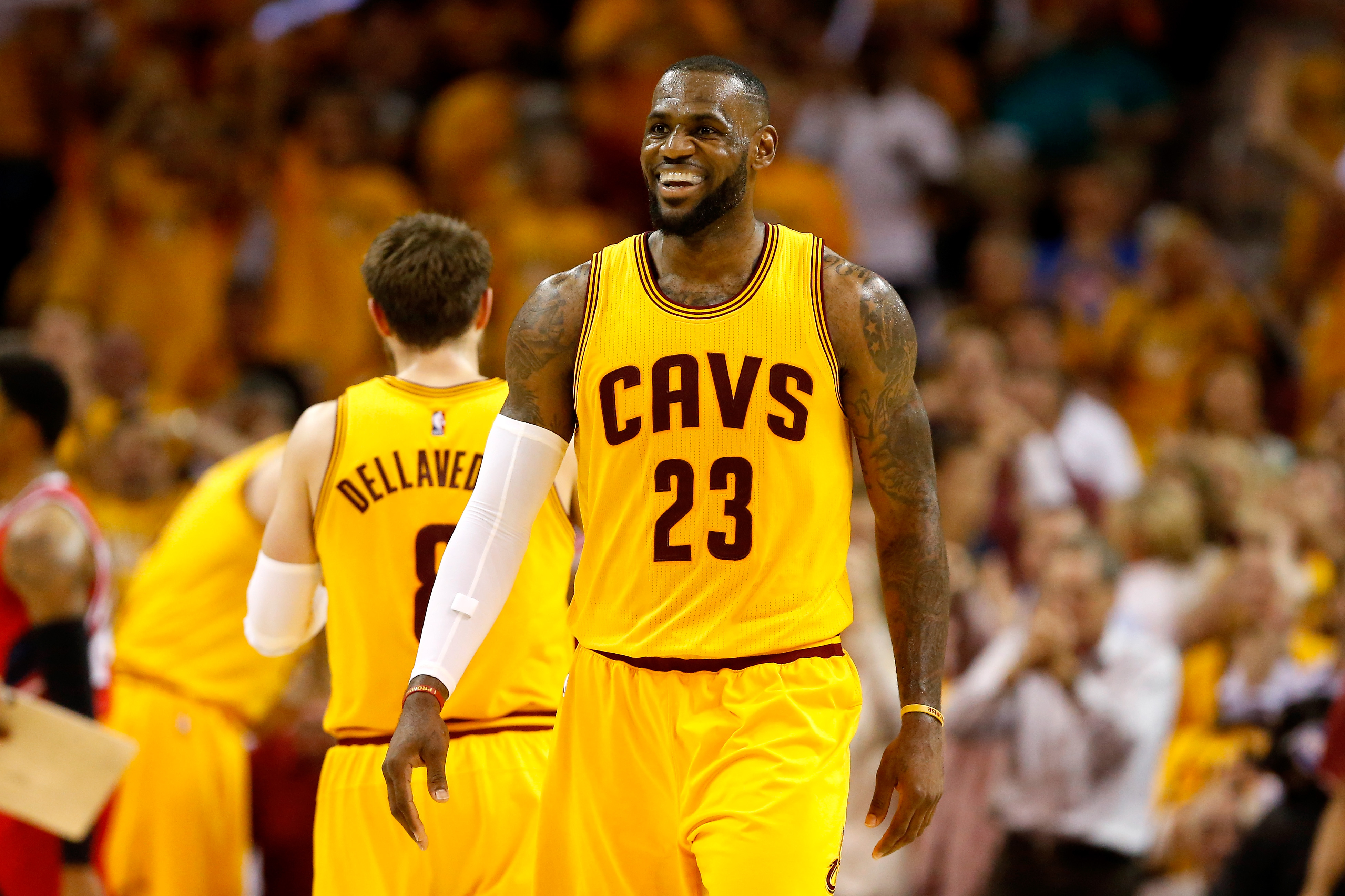 LeBron James becomes 1st player to make 5 straight NBA Finals since Bill Russell