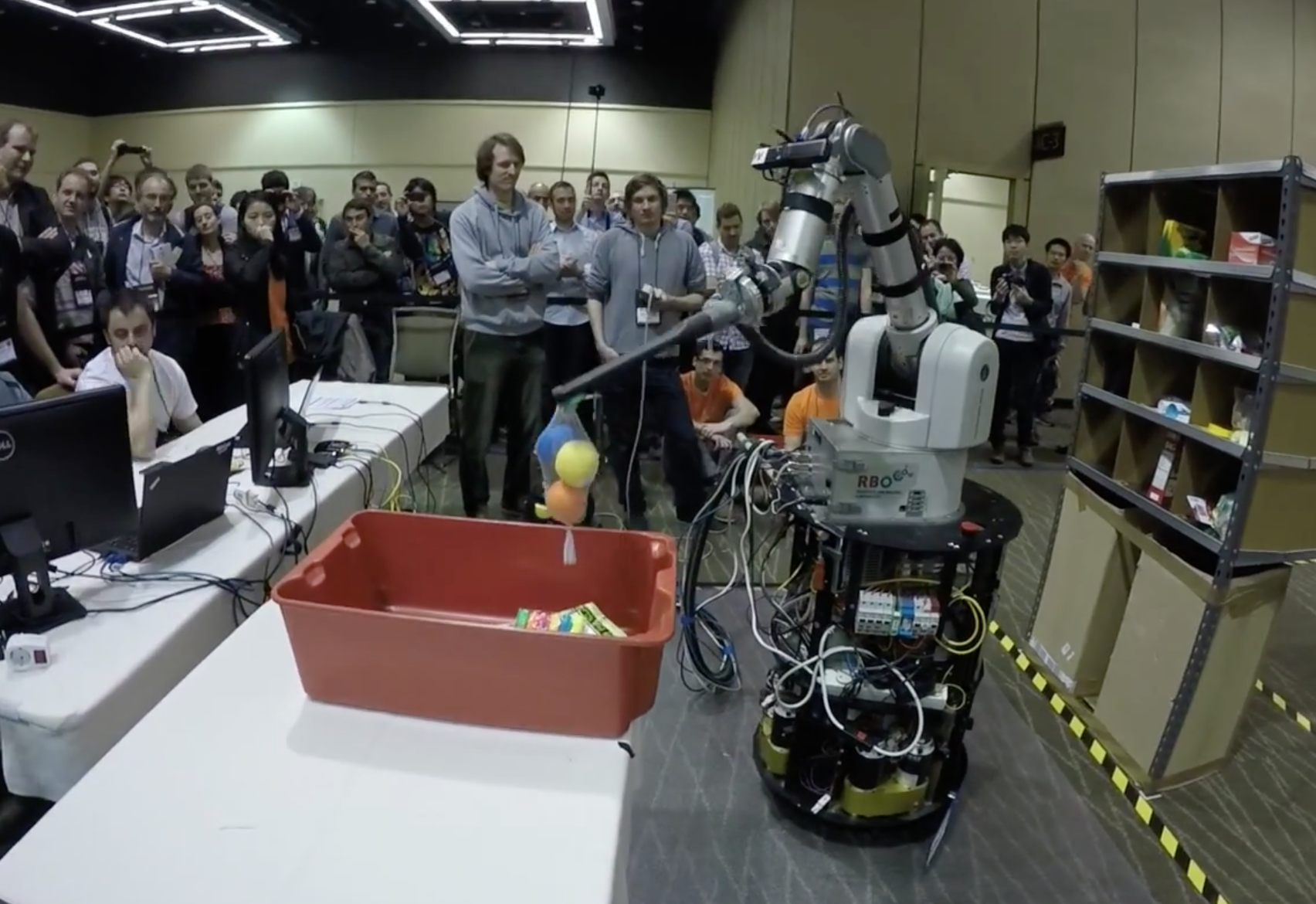 ca00bd265 Amazon s robot competition shows why human warehouse jobs are safe for now  - The Verge