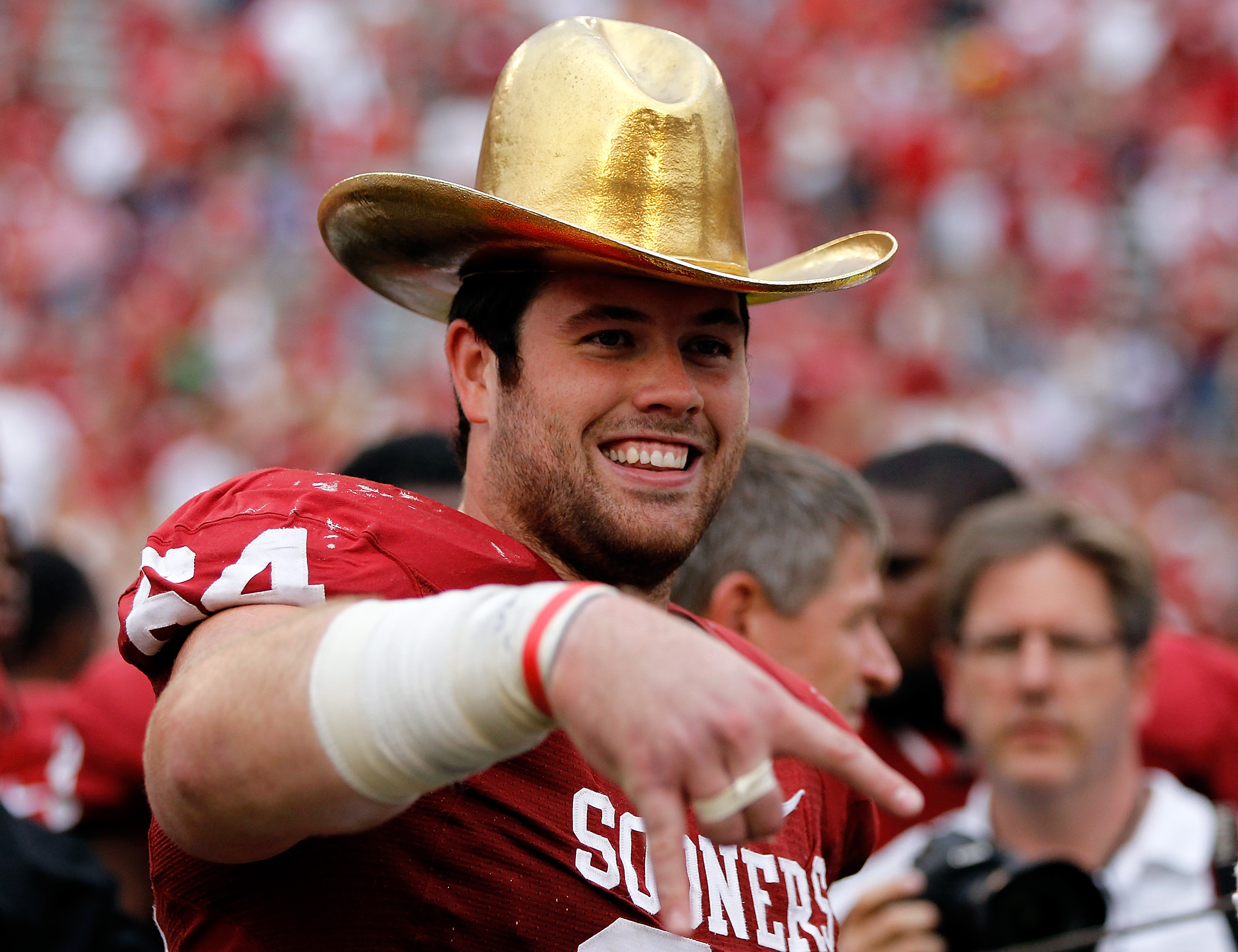 OKLAHOMA AND TEXAS PLAY FOR A GOLDEN HAT!