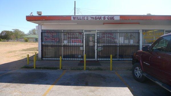 Willie's Bar-B-Que
