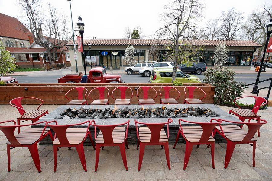 Solitaire Restaurant's lovely outdoor space