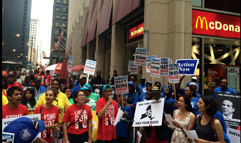 Students gather in Chicago to show support for #FightFor15 in New York.