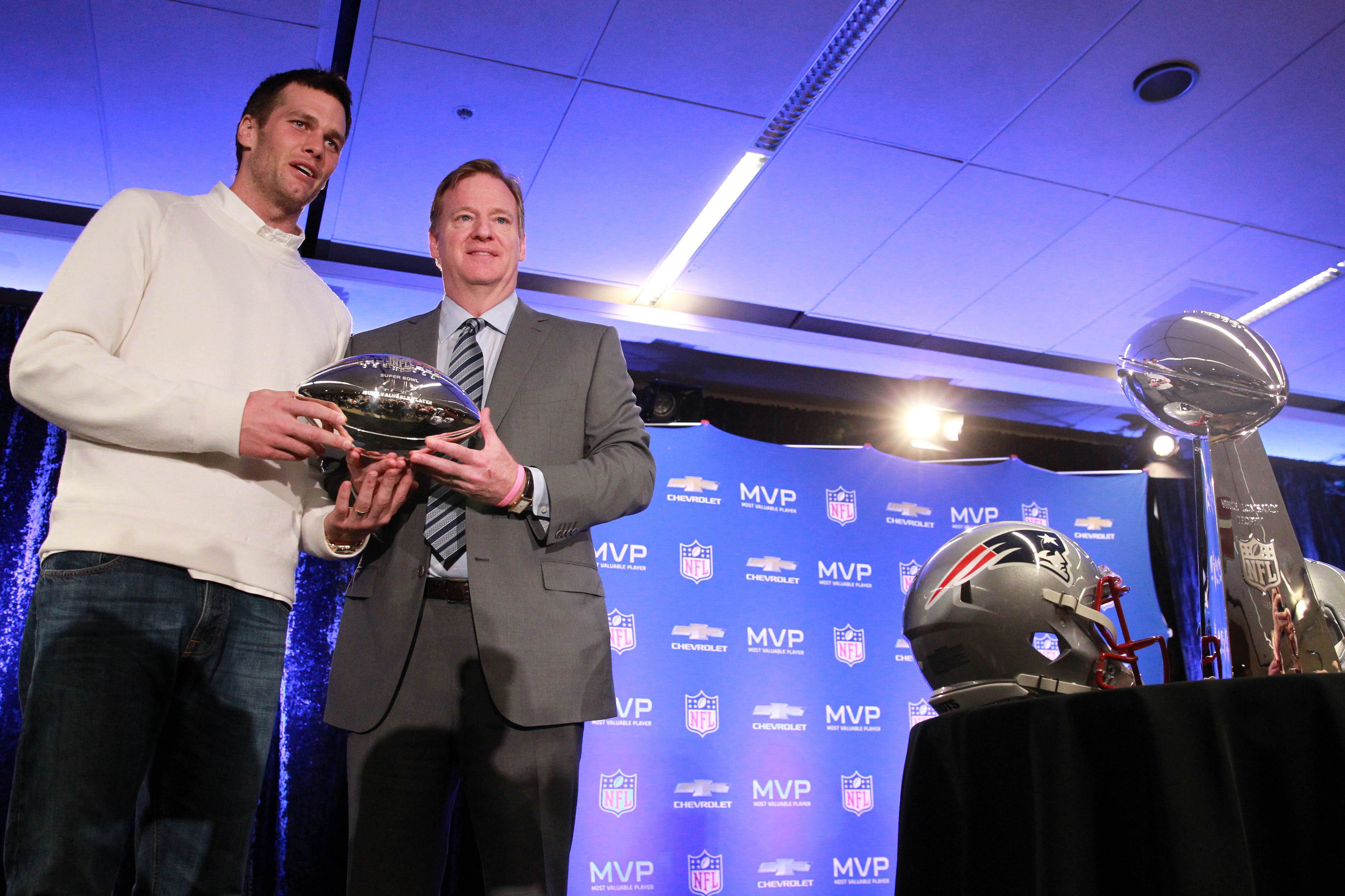 Rise 'n Grind: Tom Brady finally gets to look Roger Goodell in the eye