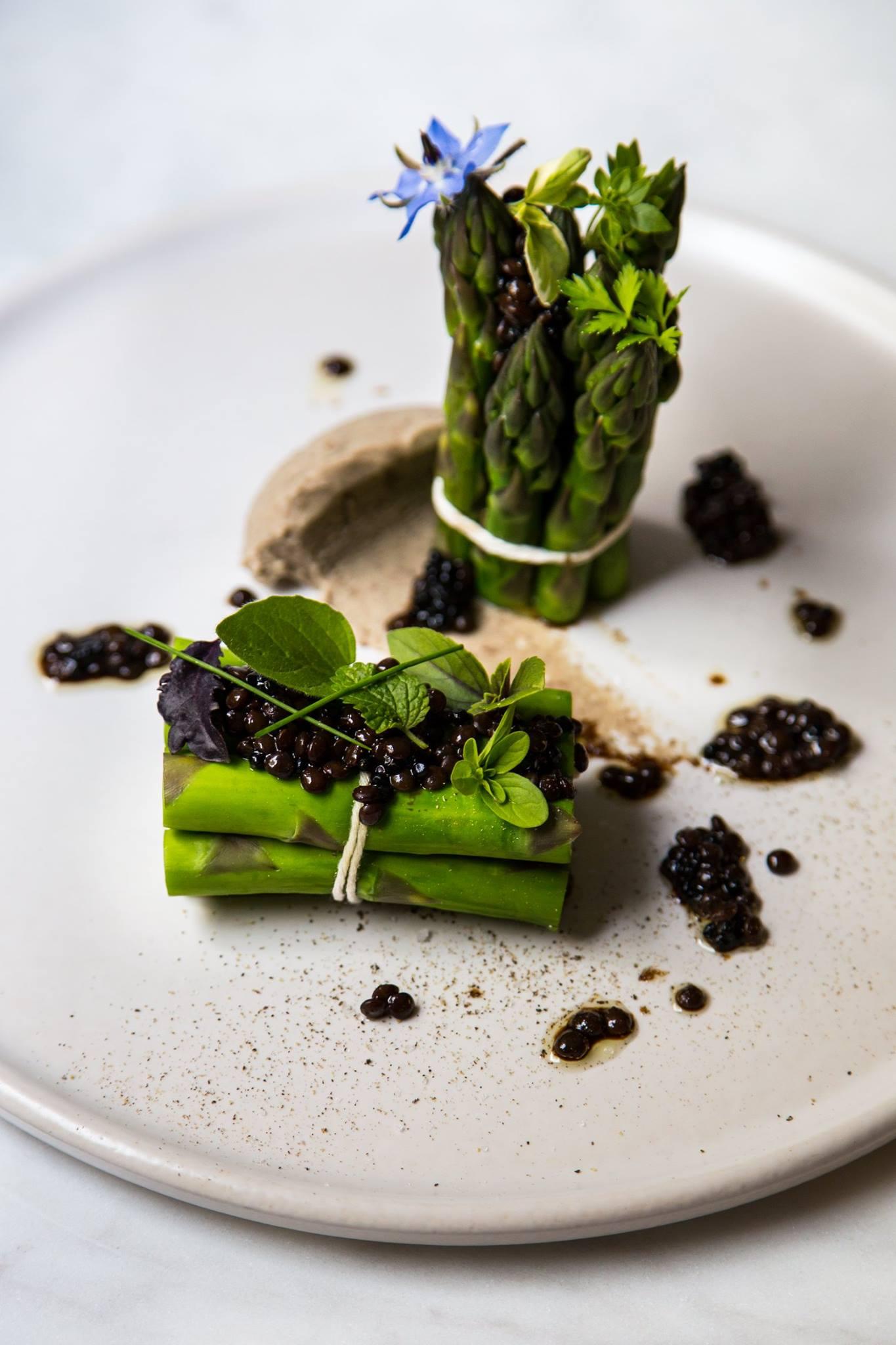 Asparagus, Cirkus style