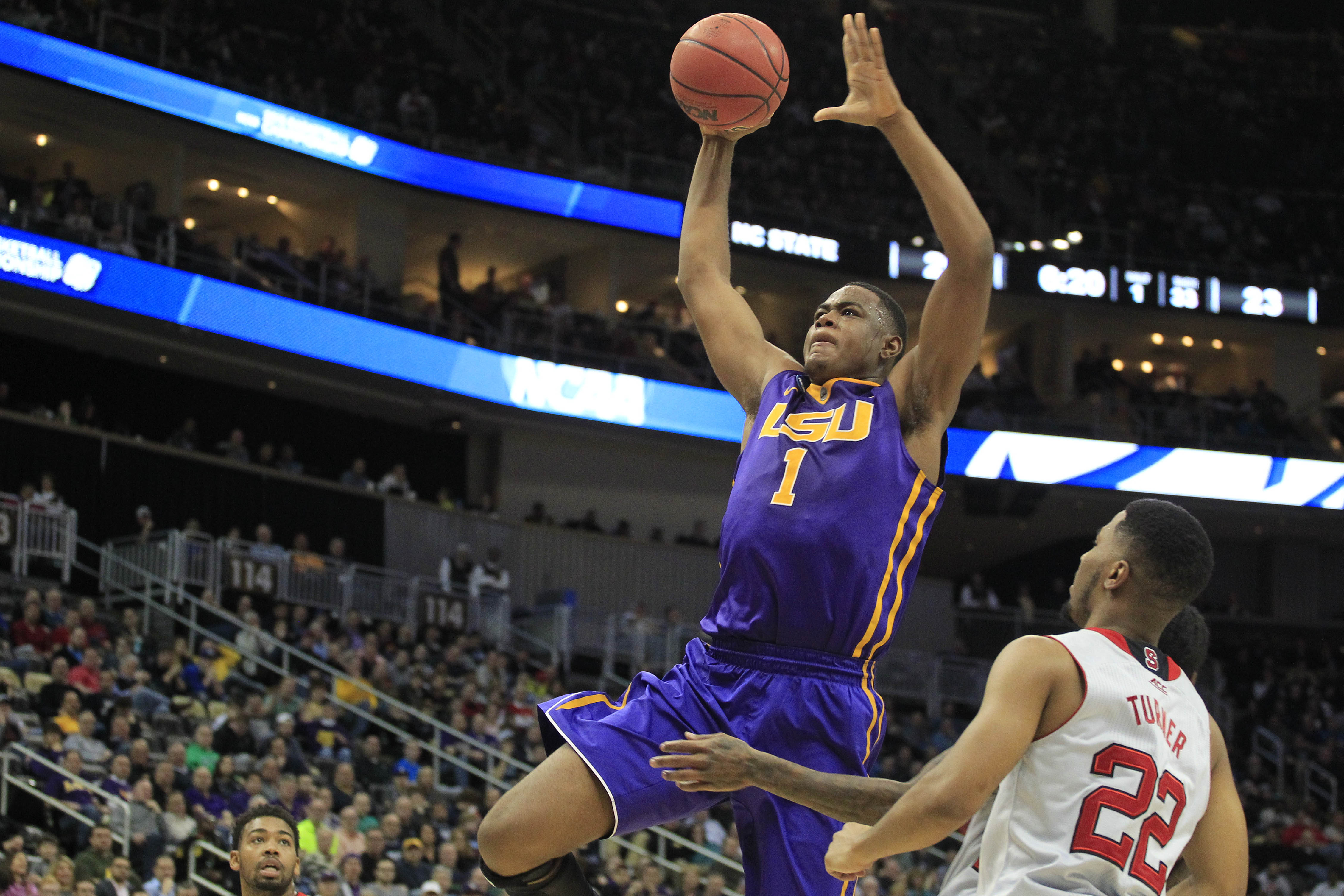 Jarell Martin was selected on Thursday by the Memphis Grizzlies with the 25th overall pick.