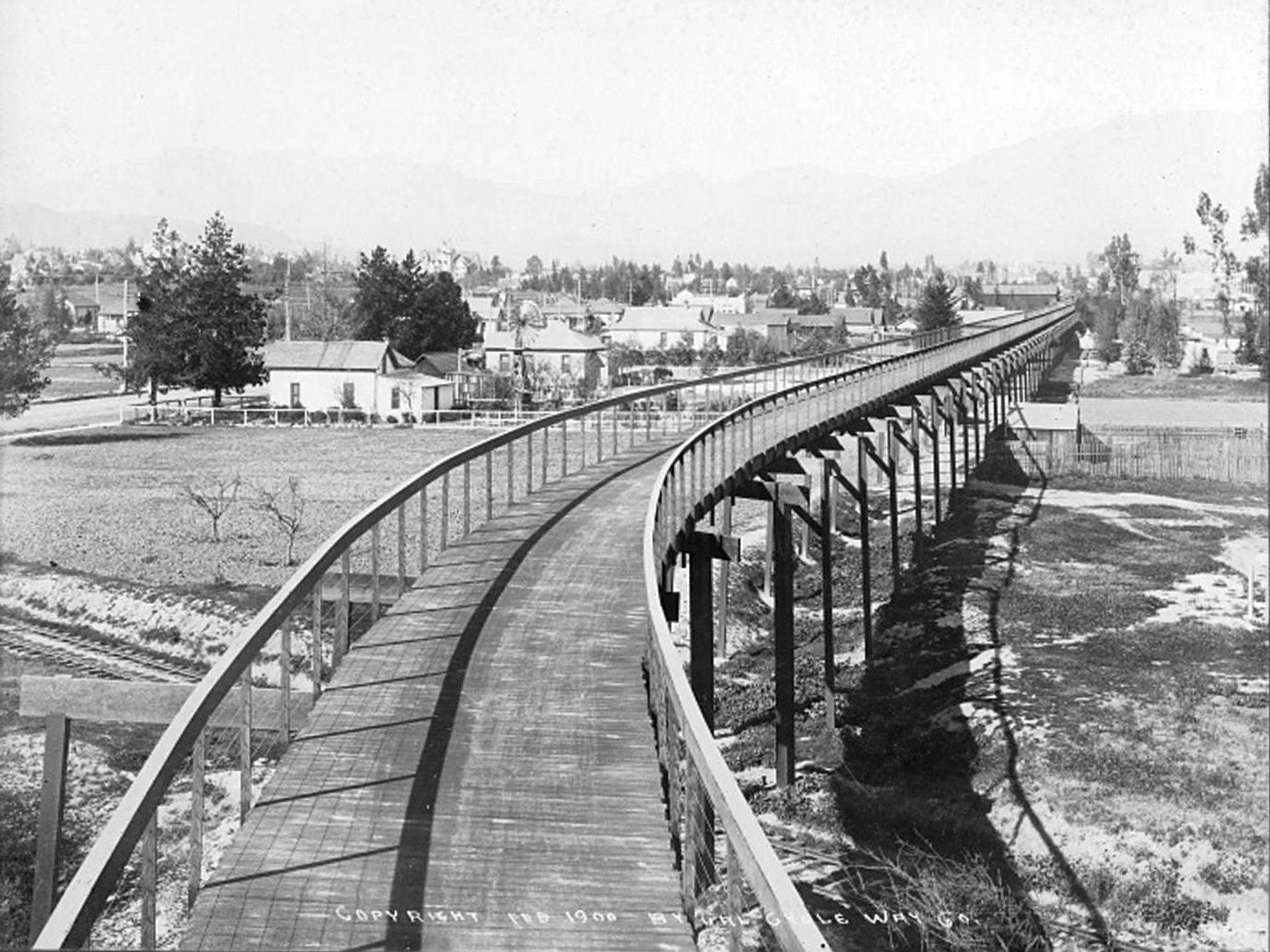 In 1900, Los Angeles had a bike highway — and the US was a world leader in bike lanes