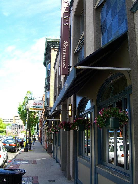 The Puritan will be located next door to Devlin's on Washington St.