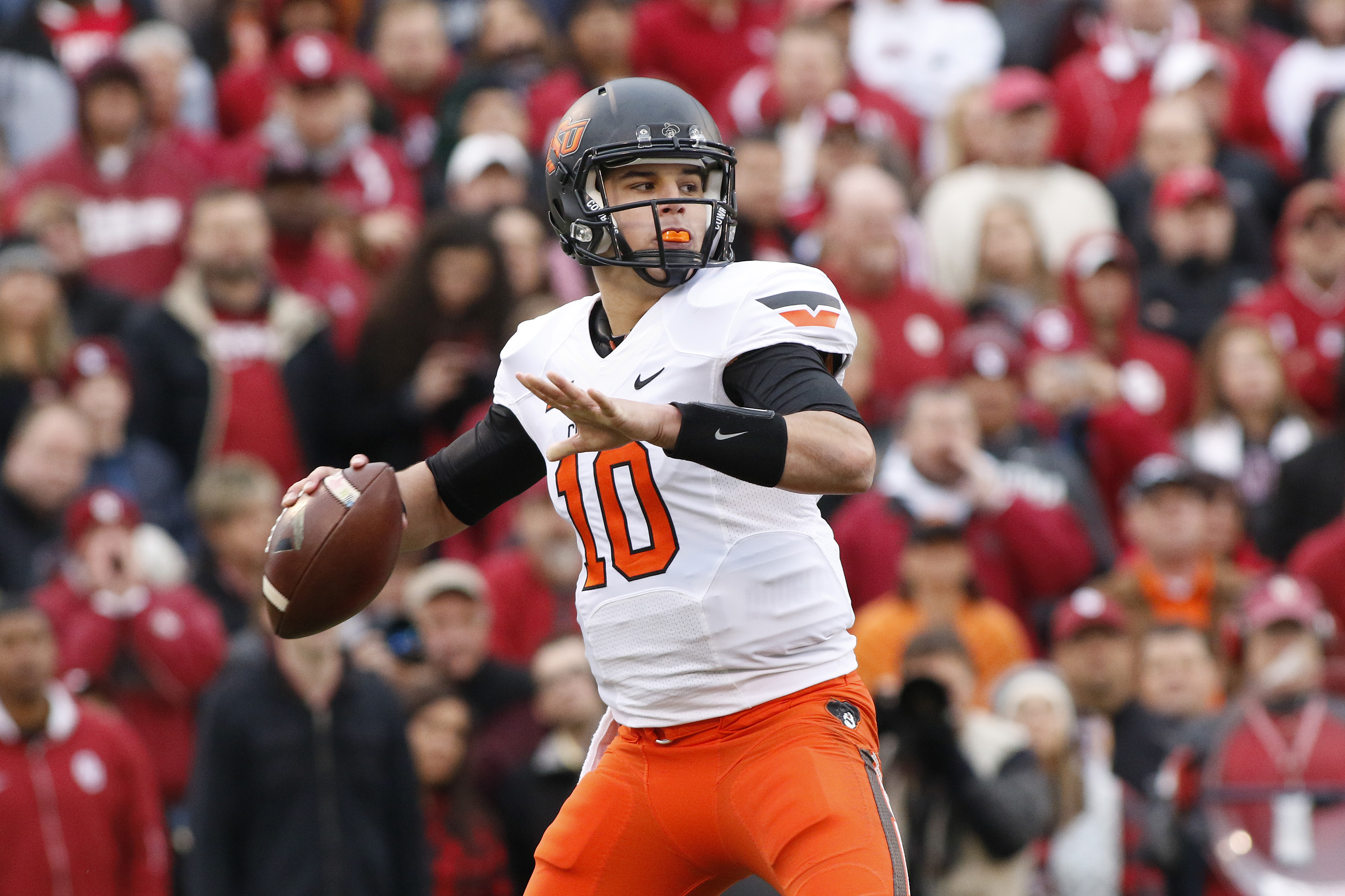 Can this young sophomore QB lead Oklahoma State to the promise land?