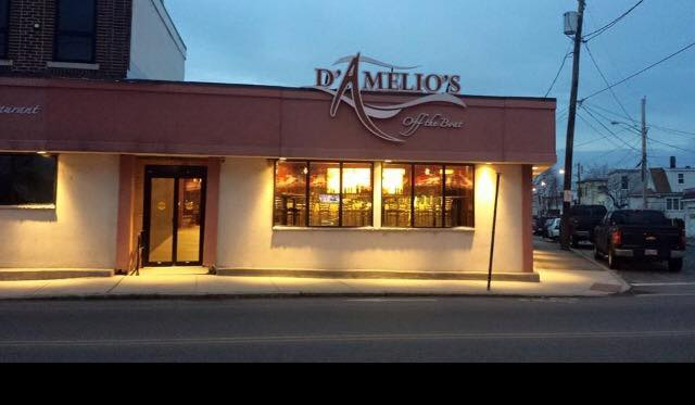 D'Amelio's Off the Boat in Revere