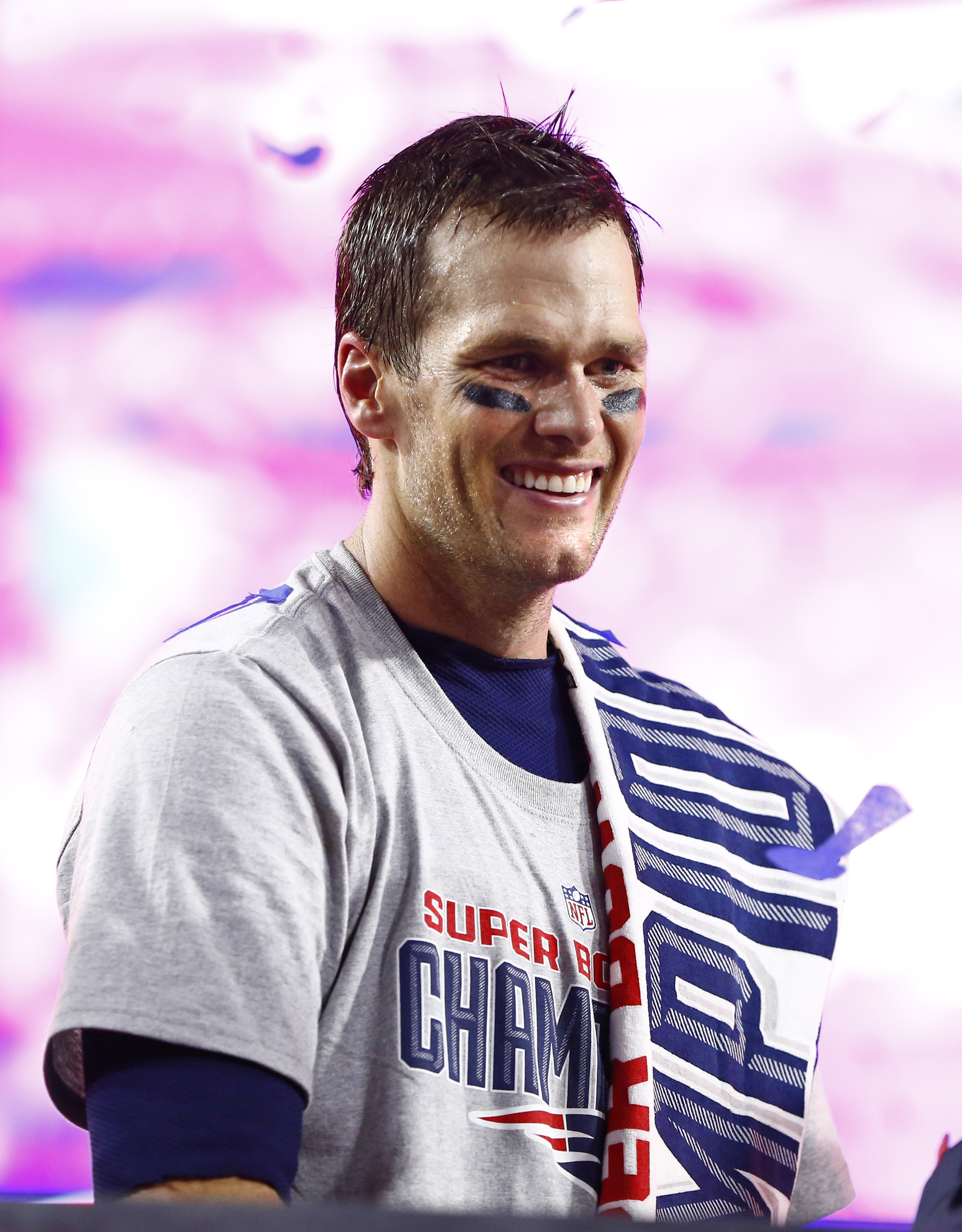 Unnamed bidder drops $40,000 on one of Tom Brady's deflated balls