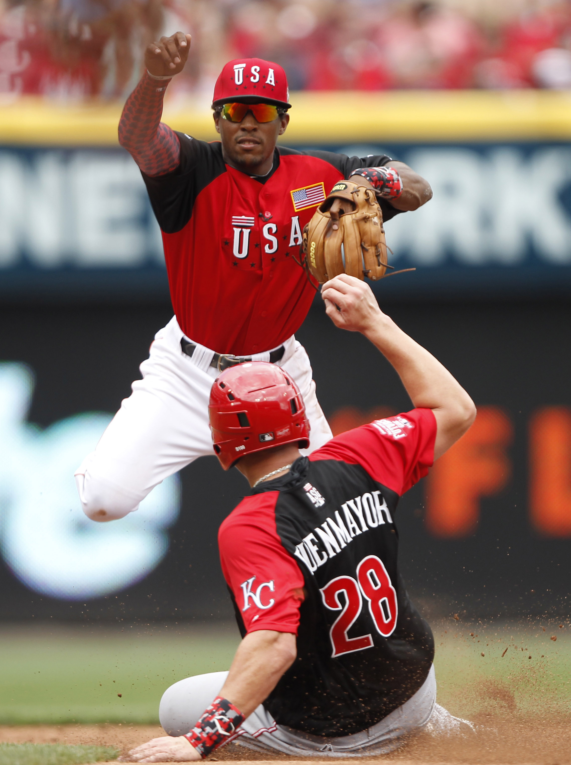 Tony Kemp, The Man of Steal, straight Supermaning that ho.