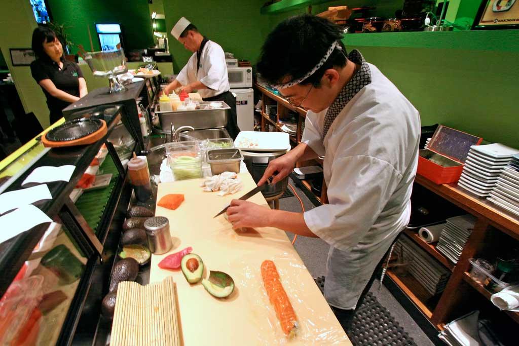 Why Women Can Never Work at Tokyo's Sukiyabashi Jiro
